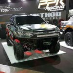 toyota-hilux-Revo-lift-up